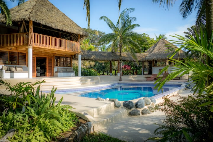 Osa Beach House w/ Pool