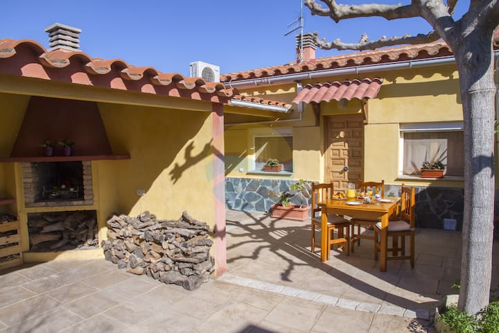 Nice house with bbq and close to the Ebro river - Deltebre