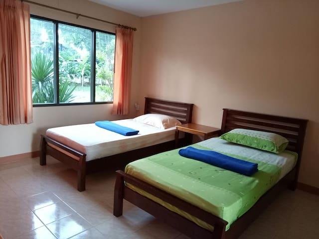 Subsavet Village standard room twin beds