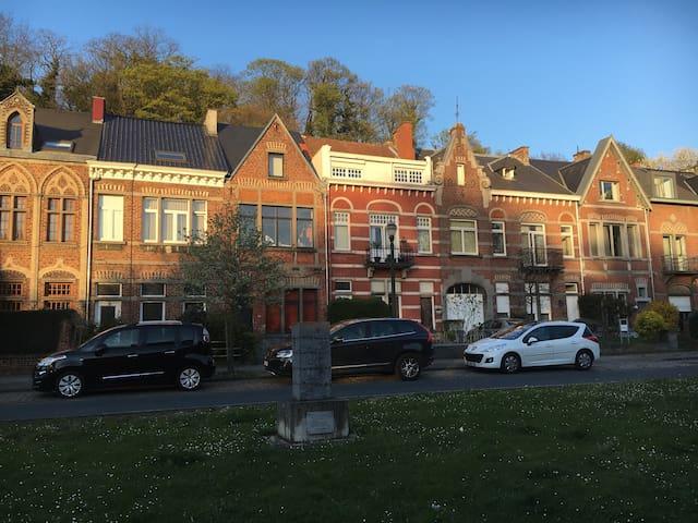Maison du XIXè siècle, à Uccle - Uccle - House