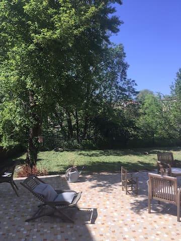 Appartement dans superbe hôtel particulier - Mont-de-Marsan - Byt