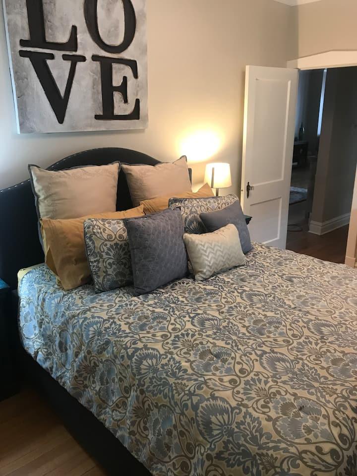 Andy's Bed & Breakfast Queen Room