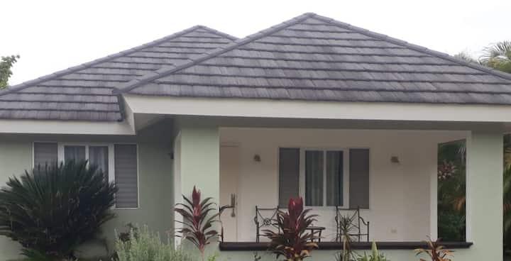 Forty Palms 1 BR Villa, Jamaica