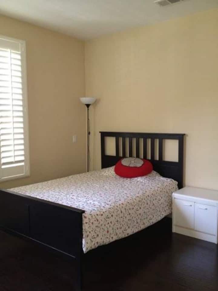 Nice room close to Citrus college