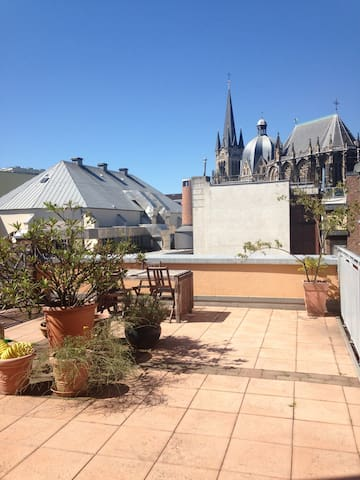 Roof terrace Dome view appartment - Aachen - Wohnung
