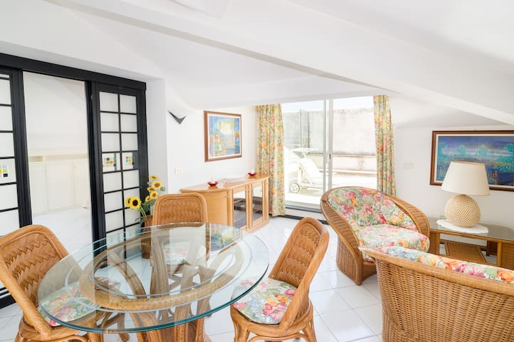 Airbnb Arma Di Taggia Vacation Rentals Places To Stay