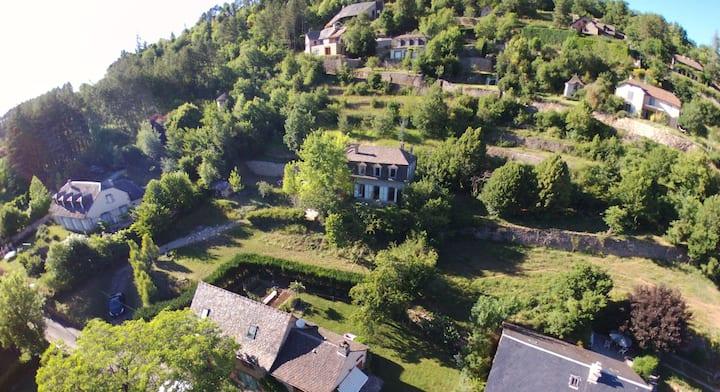 Maison de famille à la Canourgue en Lozère
