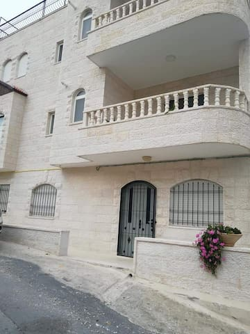 3 floor house for rent in Bethlehem Palestine