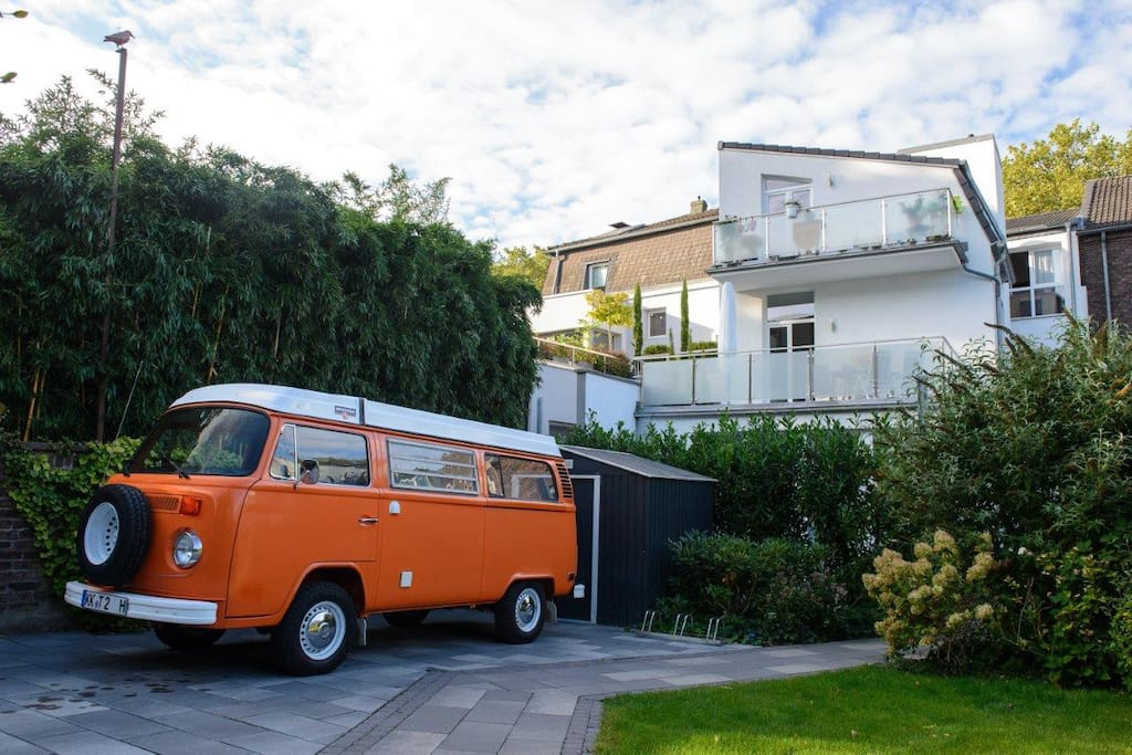 Hauseigener Parkplatz | Parking directly on the property