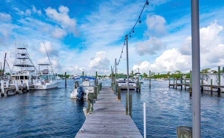 STUART WATERFRONT HOUSE - Dock - Kayaks - BBQs