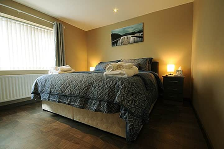 Central House (Compact Double/Twin Room En-Suite)