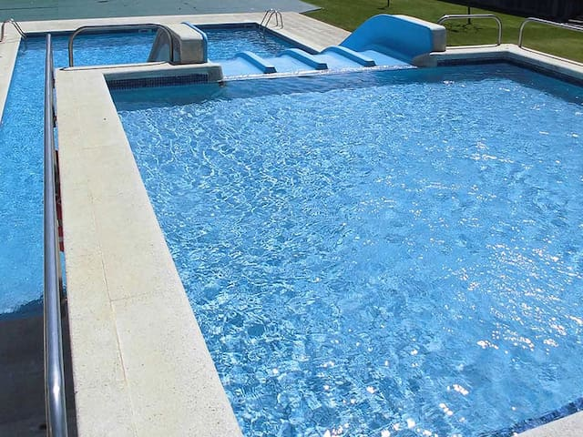 Apartment with swimming pool with slides and free Wifi