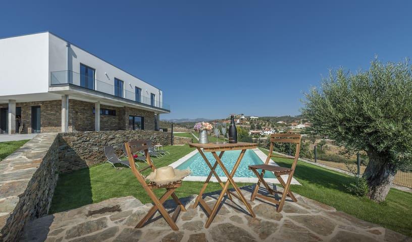 Longra Family Villa with swimming pool