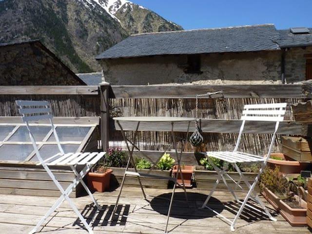maison typique village de montagne - Porta - Rumah