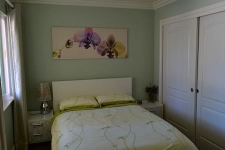 Private Room in a Beautiful House in Foster City - Foster City - House
