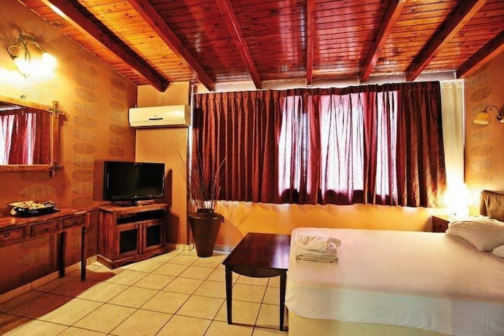 Spacious and comfortably Suite in Athens
