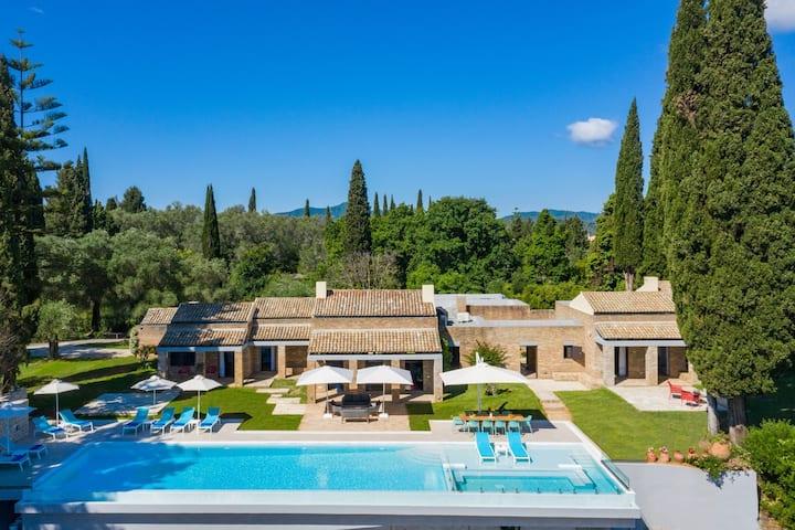 Villa Ionica - Luxury Private Pool Villa