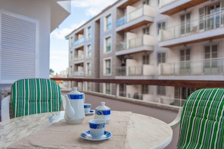 CURLING - Apartment with terrace in Puerto de Alcudia.
