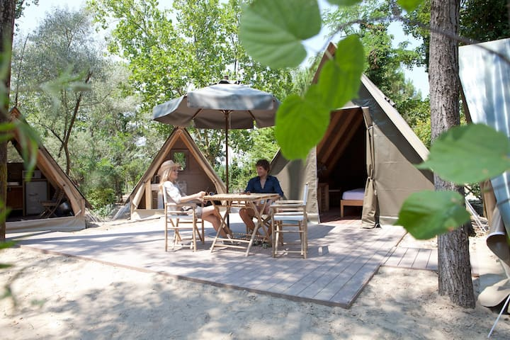 The  Wild Glamping Tent in 5 star Leading Camping Union Lido