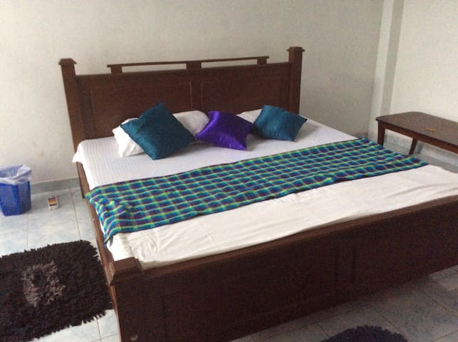Large family house in Colombo with optional meals. - Sri Jayawardenepura Kotte - Casa