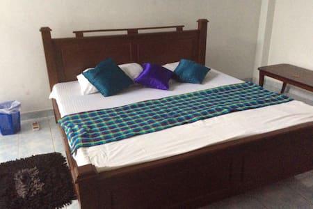 Large family house in Colombo with optional meals. - Sri Jayawardenepura Kotte