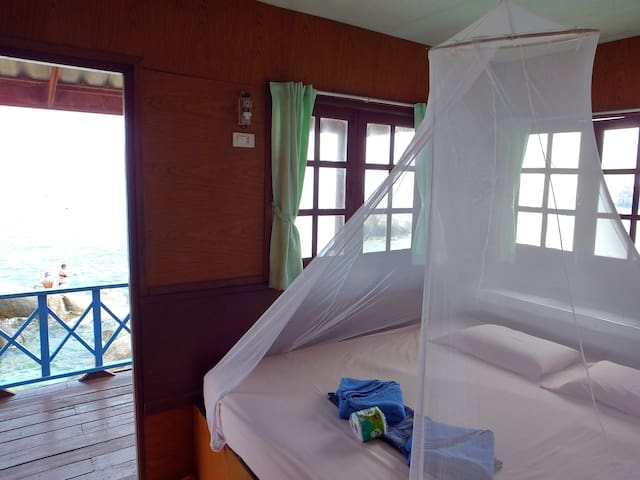 Best Snorkeling Relaxing SeaFront Bungalow KOH TAO