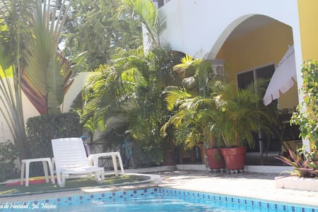 Gecko Condo w pool, air conditioner - Navidad