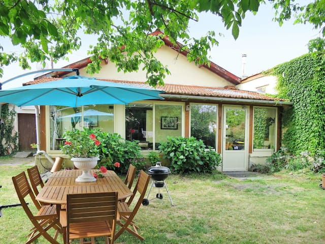 Holiday House Contaut for 4 persons in Hourtin