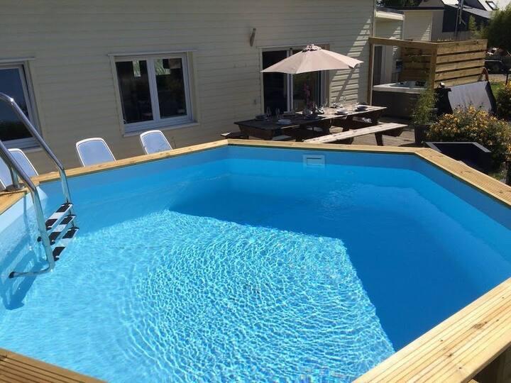 Villa piscine jacuzzi proche plages de Kerlouan
