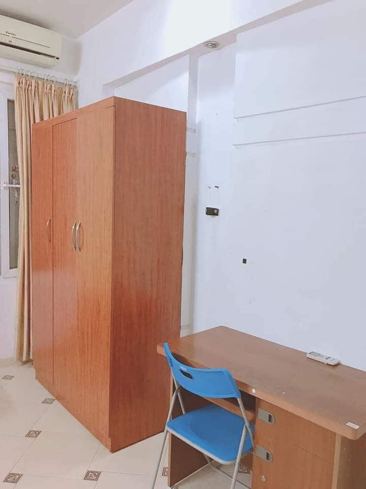 Room for rent in lane 125 Vinh Phuc Street