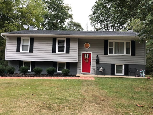BEAUTIFUL remodeled home near Annapolis!!