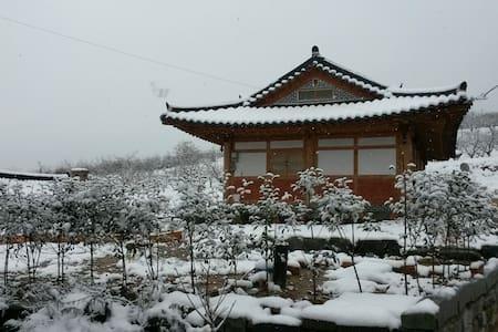 한국 나주의 옛 정취를 흠뻑 느낄 수 있는 한옥 민박 - 나주시 노안면 노안삼도로 407-176