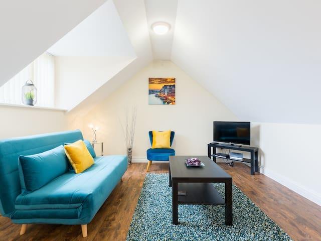 NEC/Airport - The Loft, Meriden; One-Bed Apartment