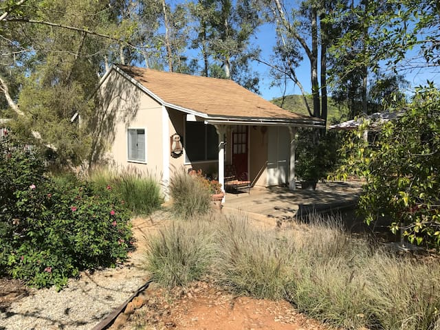 Cozy Bungalow near Temecula Wine Country - Winchester - Banglo