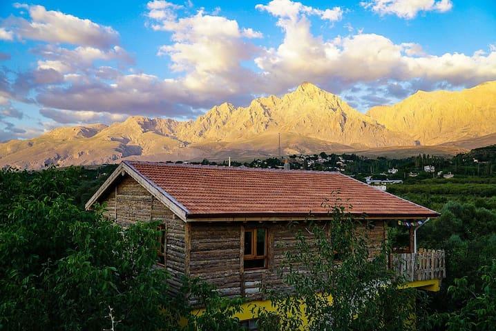 Aladağlar Mountain Hostel and CAMPING GROUND