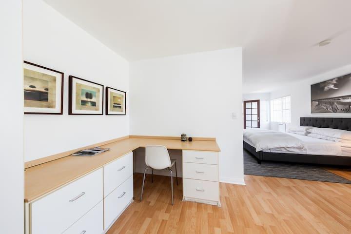 Custom desk/work space off master suite