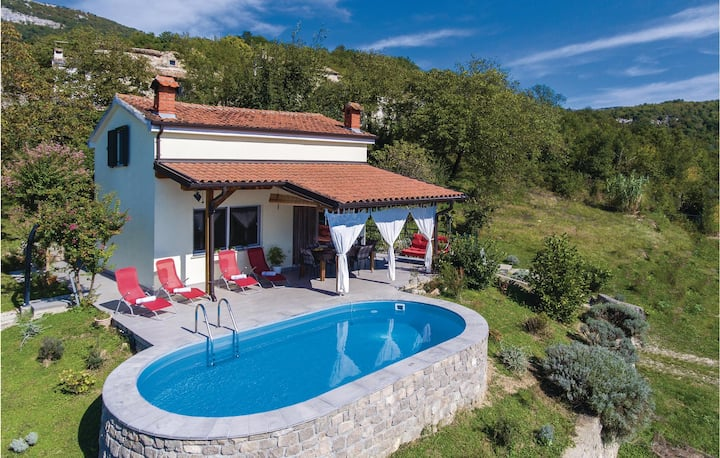 Stunning home in Buzet with WiFi and 2 Bedrooms