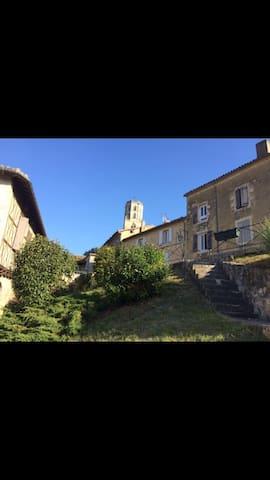 Maison de village T4 au coeur du GERS - Mauvezin - Dům