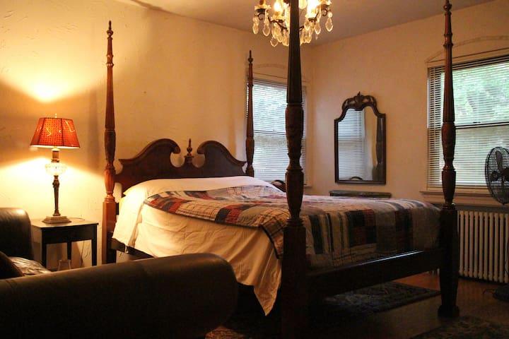 Luxury Master Bedroom next to New York City