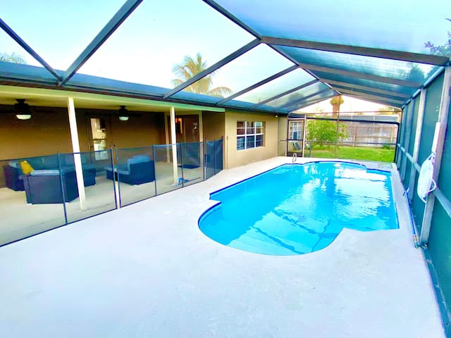 Cozy Coastal Satellite Beach Home with Pool