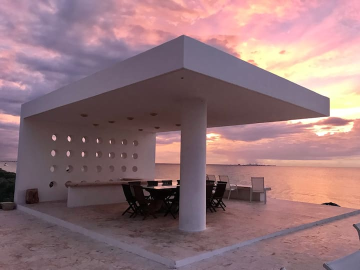 Gorgeous beach front house in Yucatan's coast