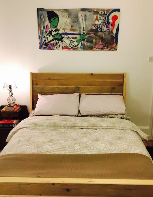 Cosy large room with very comfortable bed.