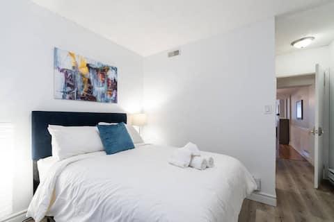 Bed & Bath with Yard Oasis - University of Toronto