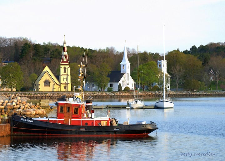 Mahone Bay Beach House