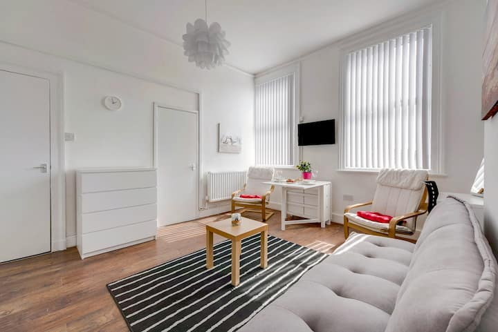 ★Airy apartment in the city center 4★