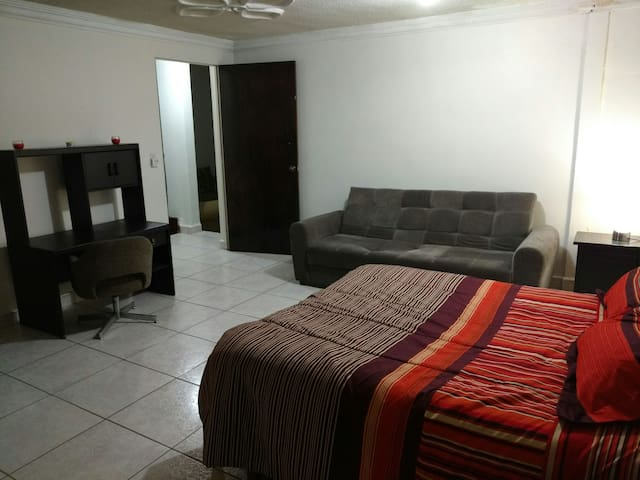 Great Location, Great apartment! - Guadalupe - Apartamento