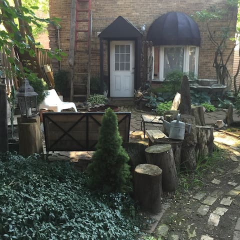 Artist Retreat.  Close to charming Andersonville - Chicago - Appartement