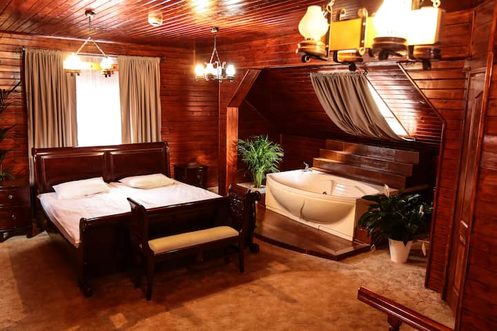 Suite with private sauna and jacuzzi