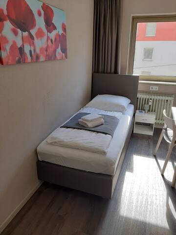 1 Zimmer Apartment möbliert inkl Wifi
