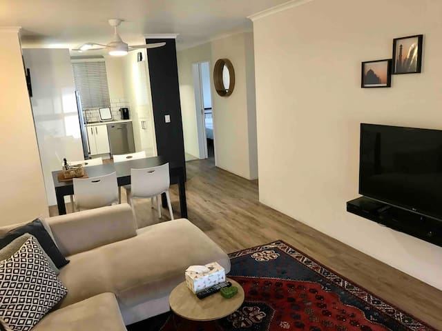 Super clean and bright Chermside apartment
